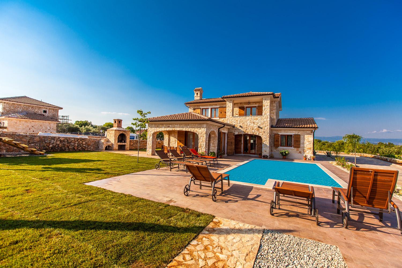 ardere villa auf insel krk mit pool. Black Bedroom Furniture Sets. Home Design Ideas