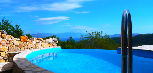 private villeta mit pool in kvarner bucht mieten villa happy. Black Bedroom Furniture Sets. Home Design Ideas